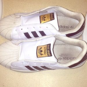Adidas superstar size 8.5
